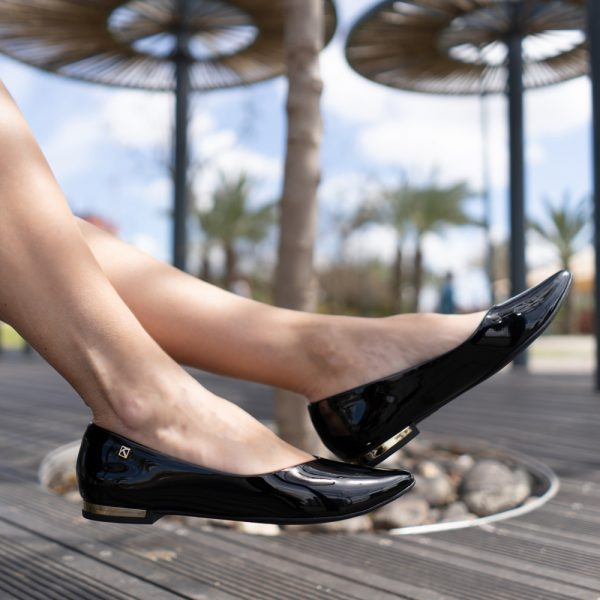 נעל שטוחה שפיץ