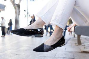 נעל שטוחה עם טקסטורה