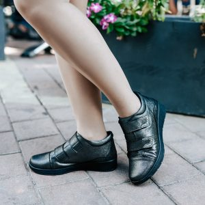 נעלים חצאיות עם שני סקוצ'
