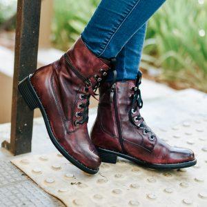 מגפיים חצאיות שרוך ורוכסן
