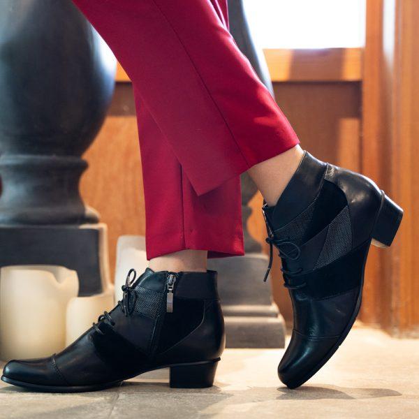 נעלי שרוכים טלאים