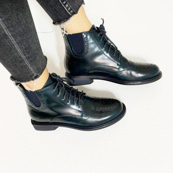 נעל גבוה עם שרוכים