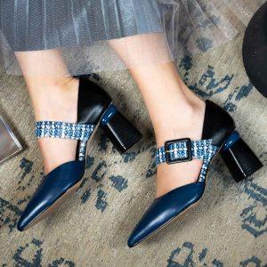 נעל עקב מעור אלגנטית